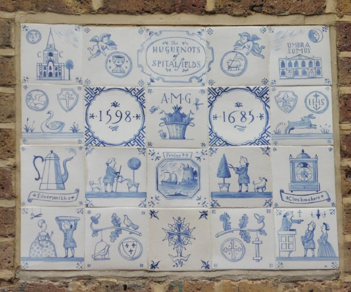 assemblage de carreaux représentant les activités des huguenots de Spitalfields