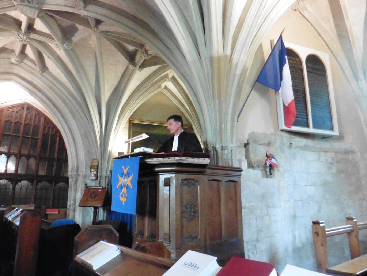 Culte du pasteur S Desmarais dans la chapelle du Prince Noir