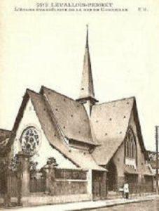 Carte postale du temple de Levallois