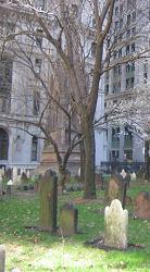 pPhoto de la tombe d'Elie Neau