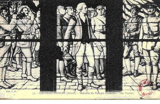 carte postale en noir et blanc de vitraux du temple de Château-Thierry